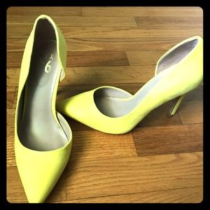 Shoes - Yellow Pumps